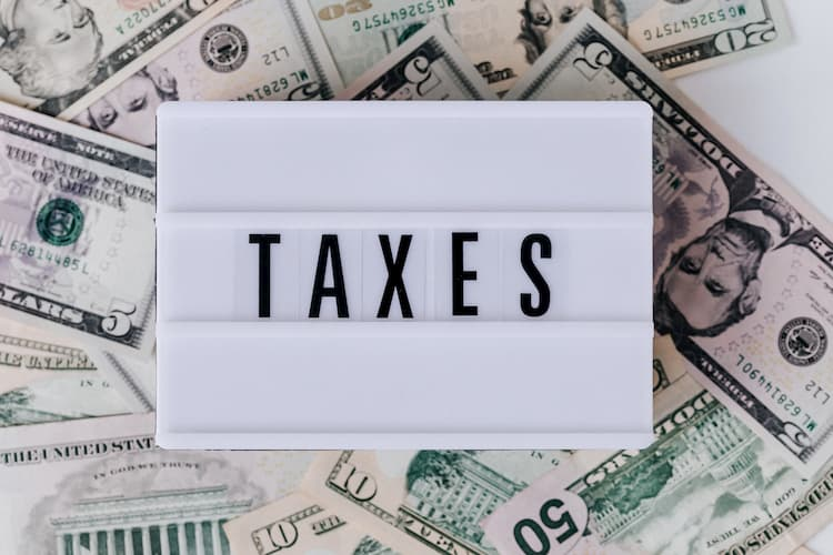 Illustration of money and taxes